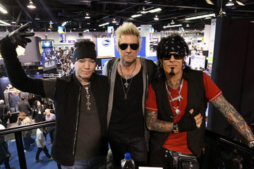 DJ Ashba 2016 NAMM Show, Day 3: Lots of Artists, Questlove, The Legends, NAMM Foundation Grand Rally For Music Education With Weird Al