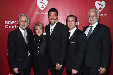 Dana Tomarken 2016 MusiCares Person of the Year Honoring Lionel Richie - Red Carpet