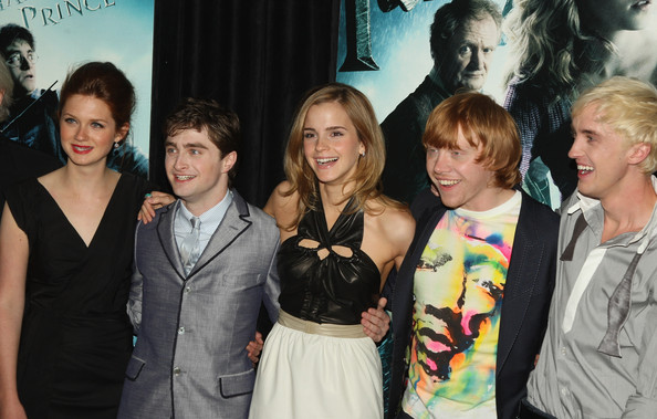 """Daniel Radcliffe and Bonnie Wright - """"Harry Potter And The Half-Blood ..."""