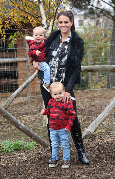 Photo of Danielle Lloyd & her Son  George O