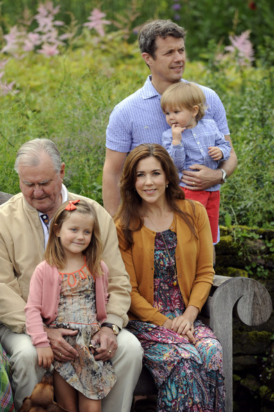 (L-R) Prince Consort Henrik of Denmark, Princess Isabella, Princess Mary of Denmark, Prince Vincent Frederik Minik Alexander of Denmark pose during a photocall for the Royal Danish family at their summer residence of Grasten Slot on July 20, 2012 in Grasten, Denmark.