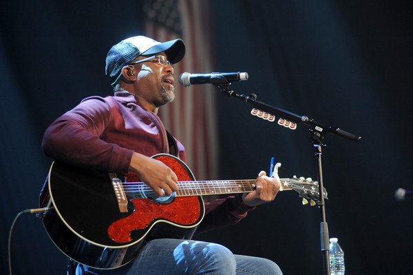 Darius rucker photos photos cbs radios third annual stars and cbs radios third annual stars and strings concert honoring our nations veterans nov m4hsunfo