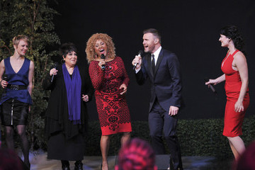 "Darlene Love Broadway Bound ""Finding Neverland"" Performs On ABC's ""Good Morning America"" On Thanksgiving Day"