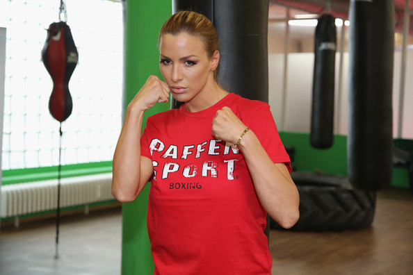 Jordan Carver Gym Jordan Carver Prepares For Celebrity