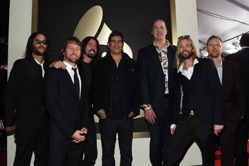 Dave Grohl Nate Mendel The 58th GRAMMY Awards - Red Carpet