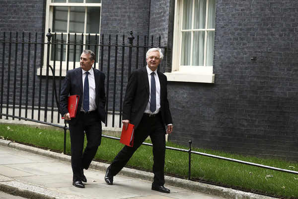 Ministers Attend Emergency Brexit Meeting After Backtop Border Plan Meets Resistance