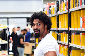 David Haye David Haye Delivers Gifts To Boxing Gym Via Prime Now To Celebrate Amazon Prime Day