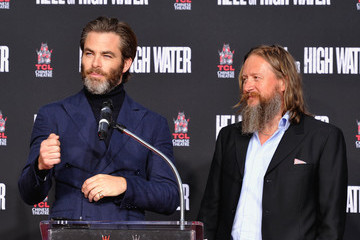 David Mackenzie Academy Award-Winner Jeff Bridges Immortalized in Hand & Footprints Ceremony at TCL Chinese Theater