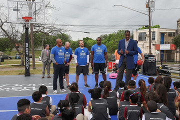 """David Robinson Dove Men+Care and NCAA Open New San Antonio Sports School Park as Legacy of the 2018 Final Four With """"The Admiral"""" David Robinson"""