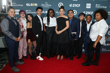 Debra Messing GLSEN Respect Awards – Los Angeles - Red Carpet