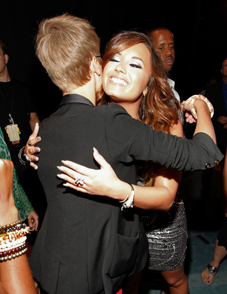 Demi Lovato Singer Justin Bieber and singer Demi Lovato arrives at the 2011 MTV Video Music Awards at Nokia Theatre L.A. LIVE on August 28, 2011 in Los Angeles, California.