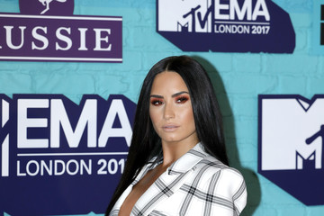 Demi Lovato MTV EMAs 2017 - Red Carpet Arrivals