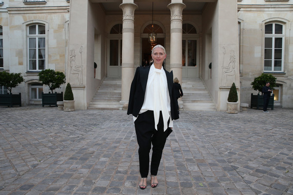 Christiane arp in der berliner mode salon arrivals paris for Salon mode paris