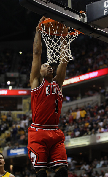 chicago bulls derrick rose dunk. derrick rose dunking on pacers