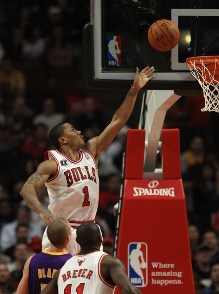Los Angeles Lakers v Chicago Bulls [photograph,basketball,basketball moves,sports,basketball player,team sport,ball game,basketball court,player,slam dunk,derrick rose,user,user,note,terms,chicago,chicago bulls,los angeles lakers,shot]