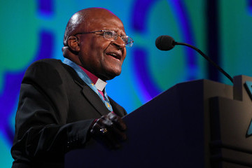 Desmond Tutu Starkey Hearing Foundation Gala