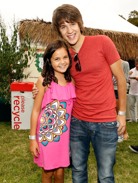 Devon Werkheiser Bailee Madison Devon Werkheiser Photos 21st Anniversary A Time For Heroes Celebrity Picnic Sponsored By Disney Zimbio