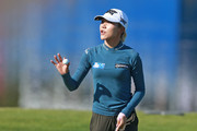Lydia Ko of New Zealand waves to the gallery after making a putt on the 18th hole during the first round of the Diamond Resorts Tournament of Champions at Tranquilo Golf Course at Four Seasons Golf and Sports Club Orlando on January 17, 2019 in Lake Buena Vista, Florida.