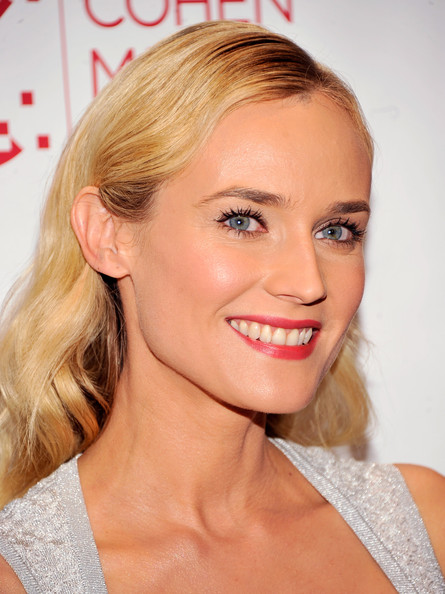 http://www1.pictures.zimbio.com/gi/Diane+Kruger+Farewell+My+Queen+New+York+Screening+gte71yGns7Al.jpg