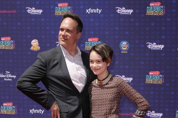 Diedrich Bader 2017 Radio Disney Music Awards - Arrivals