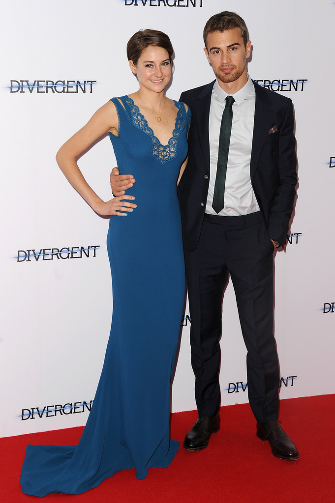 Theo James and Shailene Woodley's Divergent chemistry  Shailene Woodley And Theo James Divergent Premiere