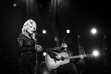 Dolly Parton Linda Perry MusiCares Person Of The Year Honoring Dolly Parton – Inside