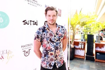 Dominic Sherwood Cassie Scerbo Hosts 80's-Themed Birthday Fundraiser Benefiting Boo2Bullying