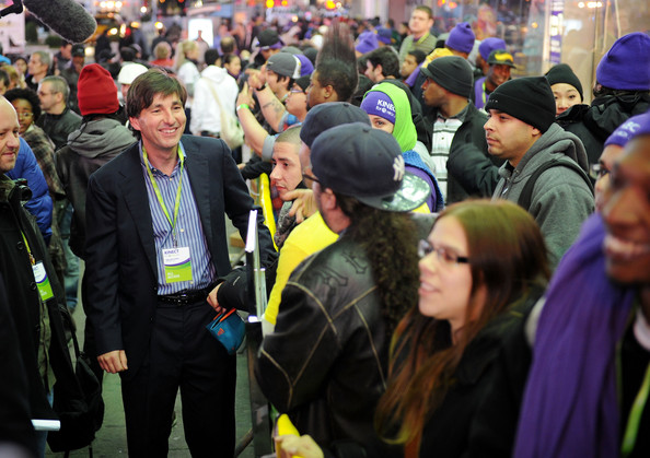Don Mattrick Pictures Kinect For Xbox 360 Launch In