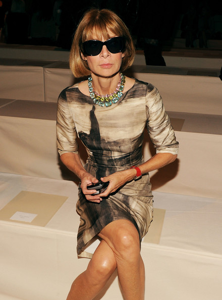 http://www1.pictures.zimbio.com/gi/Donna+Karan+Collection+Front+Row+Spring+2011+ffyCTG2BD--l.jpg