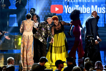Donnie McClurkin Tina Campbell 2018 American Music Awards - Fixed Show