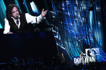 Donovan 27th Annual Rock And Roll Hall Of Fame Induction Ceremony - Show
