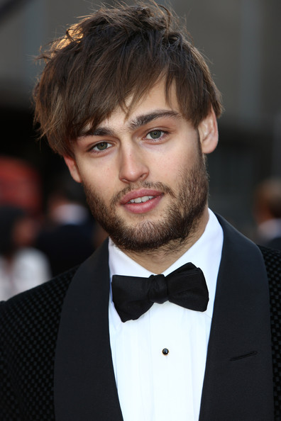 Douglas Booth Photos P...