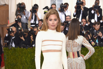 Doutzen Kroes 'Manus x Machina: Fashion In An Age of Technology' Costume Institute Gala - Arrivals
