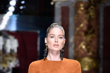 Doutzen Kroes Balmain : Runway - Paris Fashion Week Womenswear Spring/Summer 2016