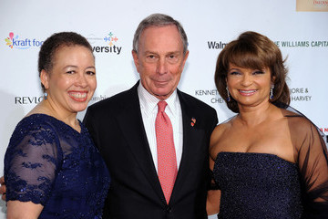Dr. Beverly Tatum BLUE Scholarship Gala To Benefit Spelman College - Red Carpet