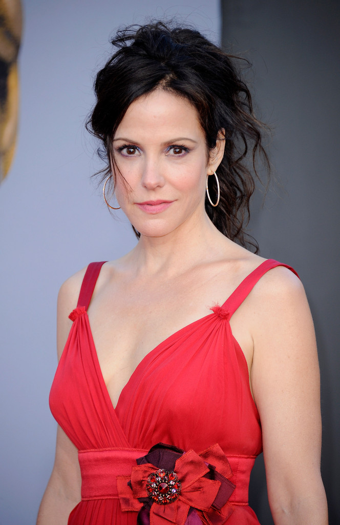 41 Sexiest Pictures Of Mary-Louise Parker | CBG