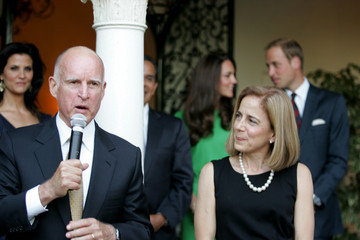 Jerry Brown Anne Gust-Brown The Duke and Duchess of Cambridge Consul General Reception