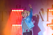 County artist Dustin Lynch performs at Marathon Music Works on January 17, 2020 in Nashville, Tennessee.