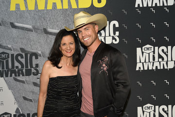 Dustin Lynch 2017 CMT Music Awards - Red Carpet