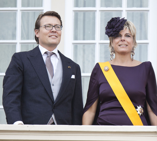 Prince Constantijn of the Netherlands and Princess Maxima of the Netherlands greet from the Noordeinde Palace balcony after attending Budget Day announcement on September 18, 2012 in The Hague, Netherlands.