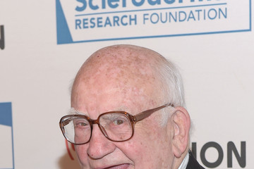 Ed Asner 'Cool Comedy - Hot Cuisine' to Benefit the Scleroderma Research Foundation - Red Carpet