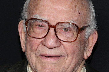 Ed Asner Premiere of Amazon Studios' 'Manchester by the Sea' - Arrivals