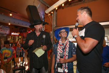 Eddie Montgomery ACM Lifting Lives Dinner and Karaoke at Winners Bar With Montgomery Gentry