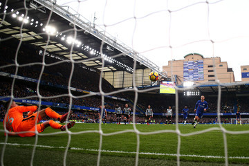 Eden Hazard Karl Darlow Chelsea v Newcastle United - Premier League