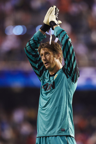 Edwin van der Sar Edwin Van der Sar of Manchester United greets the fans after the UEFA Champions League group C match between Valencia and Manchester United on September 29, 2010 in Valencia, Spain.