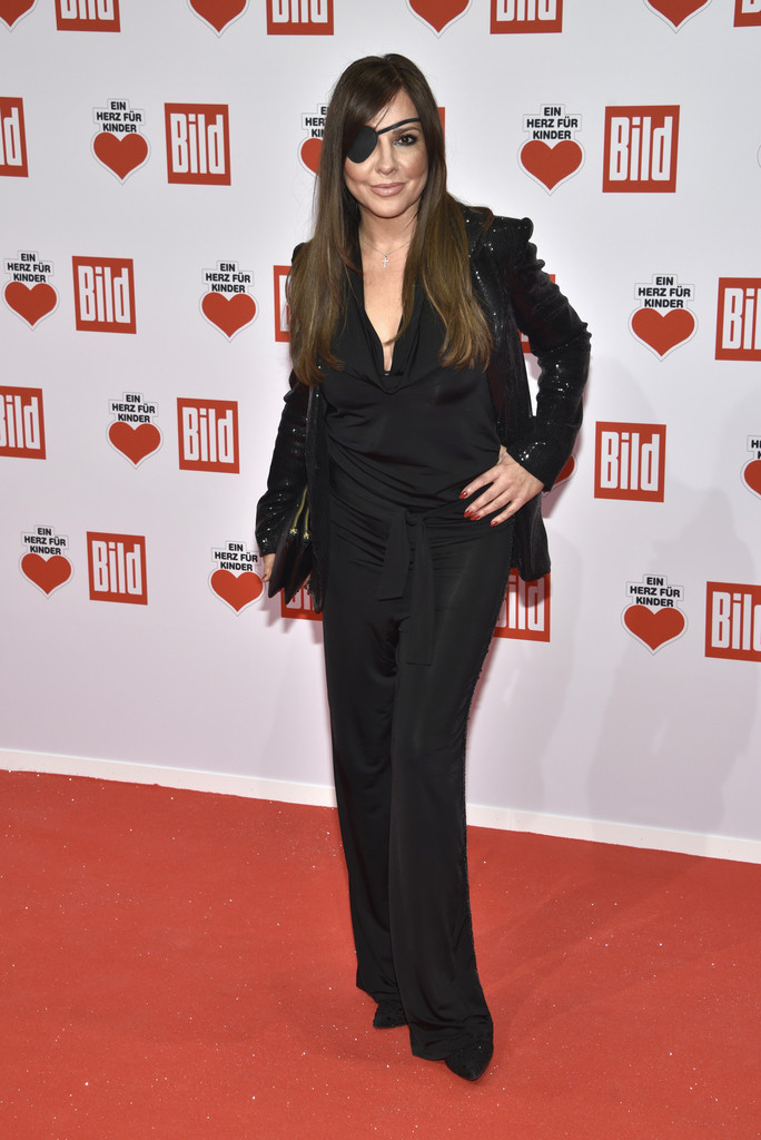 simone thomalla photos photos ein herz fuer kinder gala 2016 red carpet arrivals zimbio. Black Bedroom Furniture Sets. Home Design Ideas