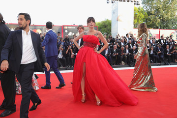 Eleonora Carisi 'First Man' Premiere, Opening Ceremony And Lifetime Achievement Award To Vanessa Redgrave Red Carpet Arrivals - 75th Venice Film Festival