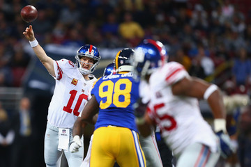 Eli Manning New York Giants v St Louis Rams