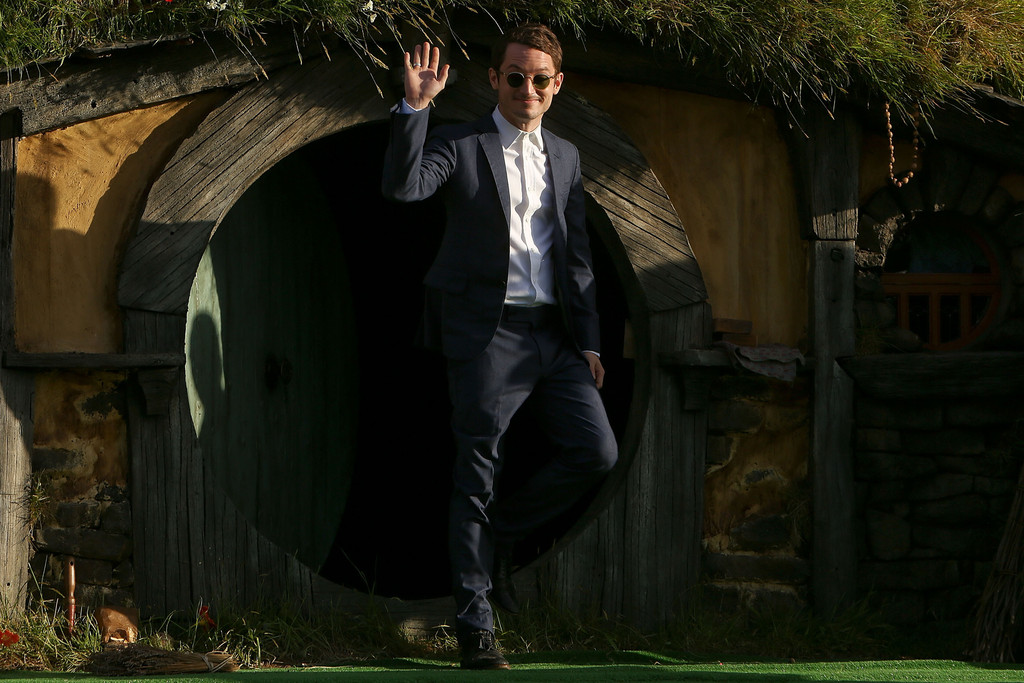 http://www1.pictures.zimbio.com/gi/Elijah+Wood+Hobbit+Unexpected+Journey+World+YJsaSSkCDAox.jpg