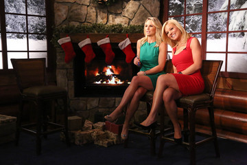 "Elisabeth Hasselbeck ""FOX & Friends Christmas Special"" 2013"